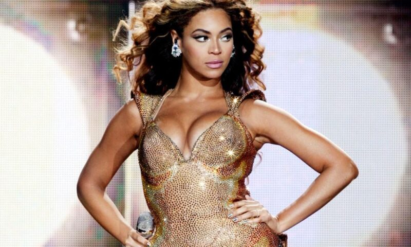 La star Beyoncé in vacanza in Sicilia col suo yacht da 95 metri