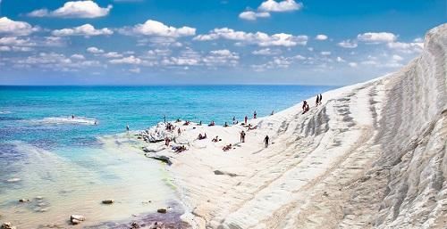 Vacanze, è tornato settembre con prezzi bassi e quiete: Sicilia meta preferita