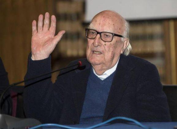 Muore il papà del commissario Montalbano, addio ad Andrea Camilleri