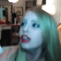 Prove di make-up ma arriva il terremoto in diretta…(video)