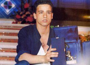 Eros Ramazzotti vince Sanremo 1986 (video da Youtube)