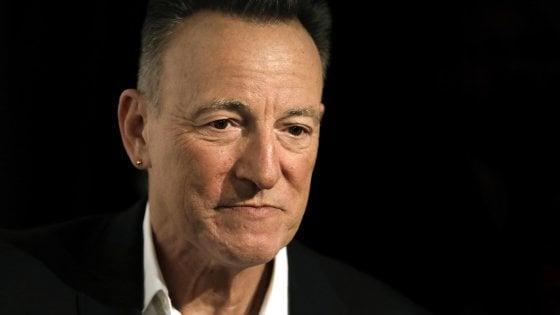 Springsteen dal vivo a Broadway: «Che bello vedervi seduti vicini…»